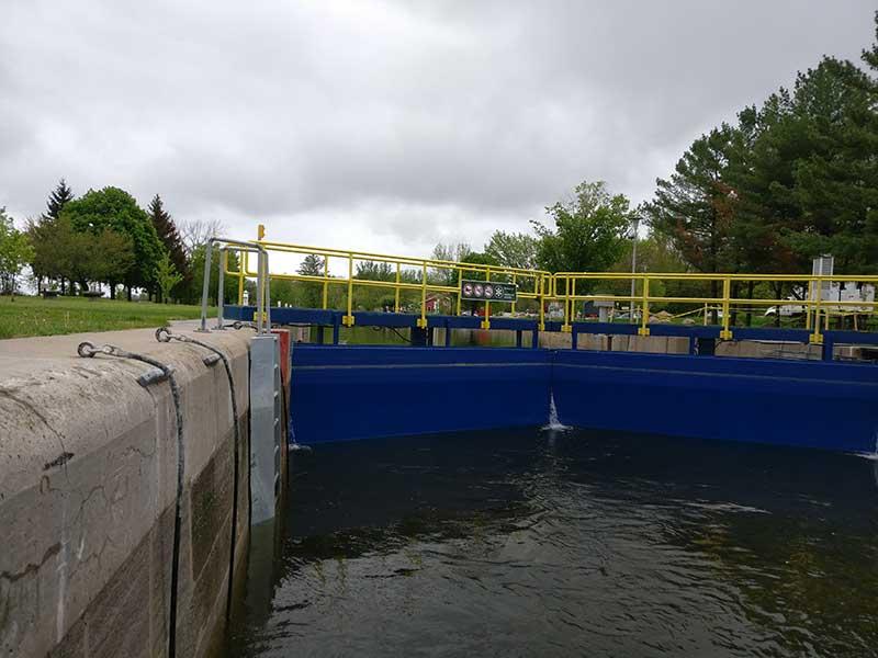 Buckhorn lock