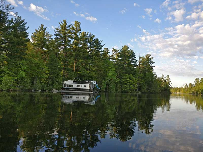 Houseboating in May, offseason, Kawarthas